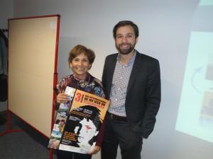Lucía Sepúlveda con Baskat Tunkat, relator Especial sobre Sustancias Químicas Peligrosas y Desechos, luego de la entrega de la petición.